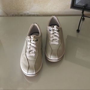 KEDS Leather Tan Sneakers Flats Shoes Size 6